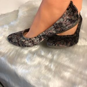 MOSSIMO | SZ 9 FLORAL BALLERINA STYLE SHOES